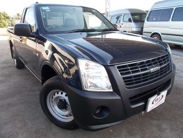 ISUZU DMAX year 2009, Diesel (choice of two units) Ruaka - image 2