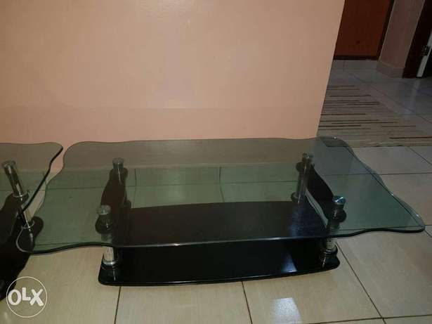 Unique 3 piece glass black coffee table at an affordable price Mombasa Island - image 6
