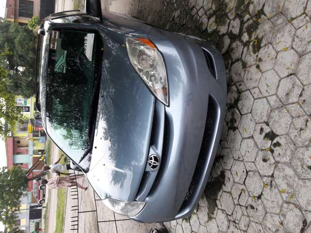 7 seater 2006 Toyota sienna.no issues.no accident.buy and drive. Amuwo Odofin - image 1