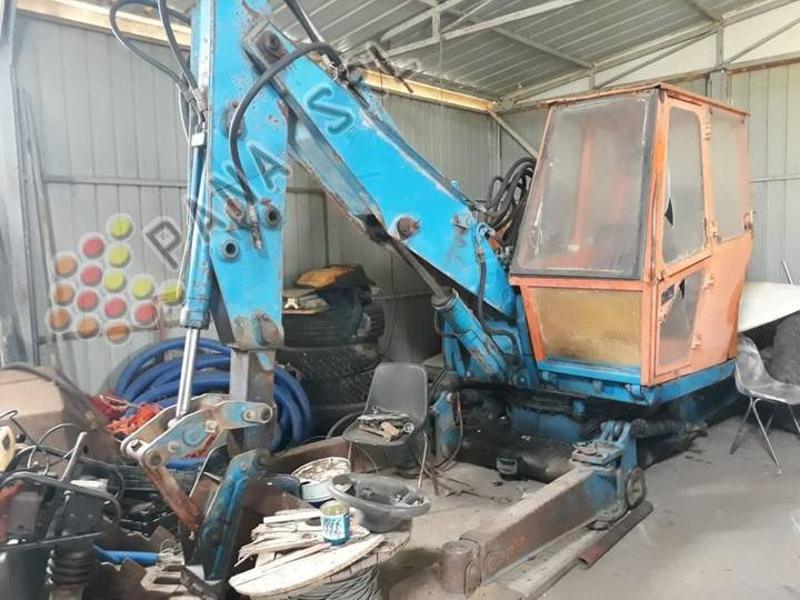 ESCAVATORE RAGNO walking excavator