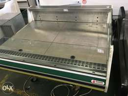 Self serve refrigerated counter