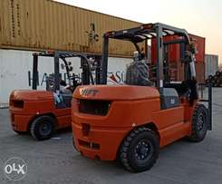 3ton , 5ton Forklifts For Rent