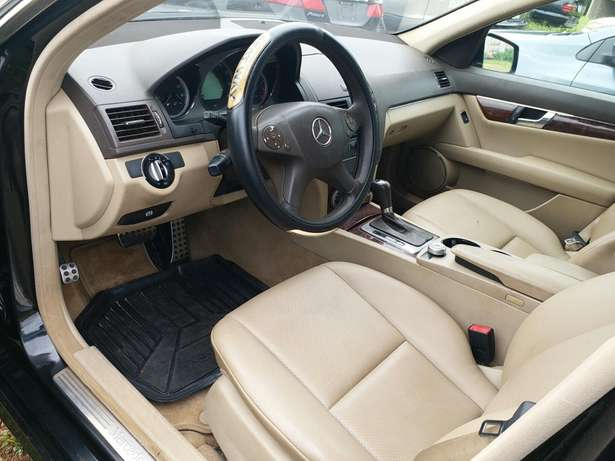 2010 Mercedes Benz C300 4matic Garki 1 - image 5