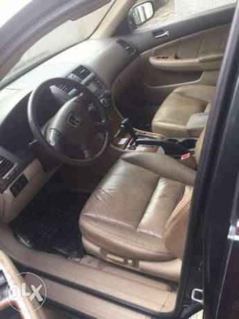 Honda accord well used Lagos Mainland - image 7
