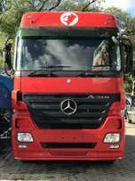 2011 Mercedes Benz Trailer Head ACTROS