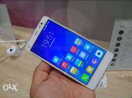 Selling Hisense E51 at an affordable price
