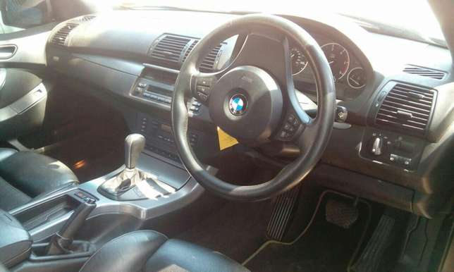 BMW X5 2005 Very Clean in Mombasa at 1.85M only!!! Mombasa Island - image 5