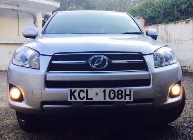Toyota RAV4 2010 fully loaded 4wd at an amazing deal 2,099,999/=o.n.o Highridge - image 4