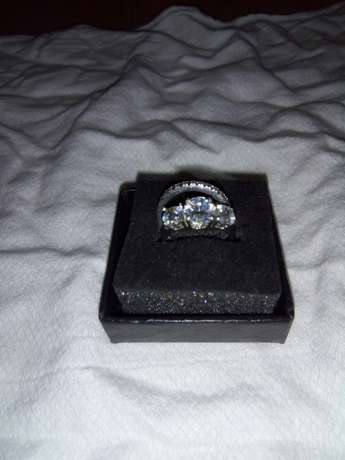 Stainless Steel Female wedding and engagement ring Wumba - image 3