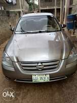 This altima salon car is for sale
