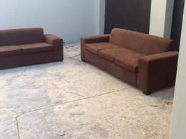 brown 2 piece lounge suite