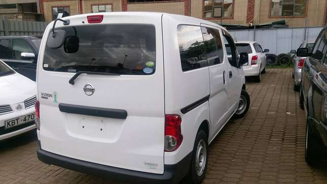 Nissan NV200 just arrived on quick sell Nairobi CBD - image 5