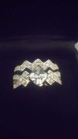 Princess cut stone 2 pc brand new solid silver ring.size 7. Johannesburg - image 2