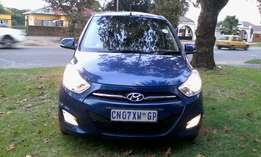 Hyundai i10 blue 2013 hatchback 21000km good condition R65000 negotia
