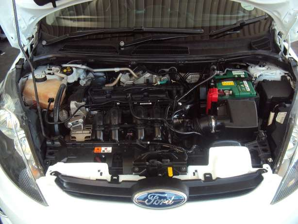 2012 Ford Fiesta 1.4 for sell R105000 Bruma - image 8
