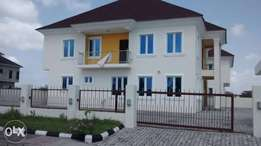 Brandnew 5 bedroom semi detach duplex for sale in royal garden 85m