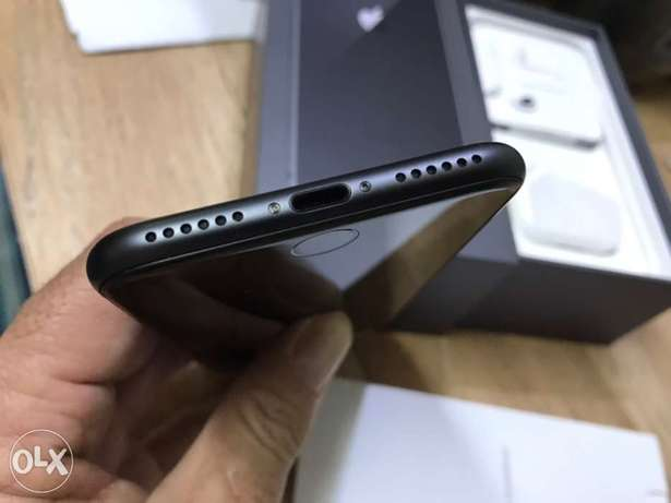 iPhone 8 64gb FaceTime, excellent condition الرياض -  4