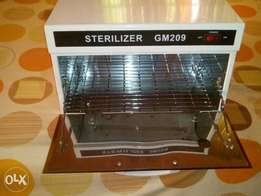 Sterilizer for either clippers