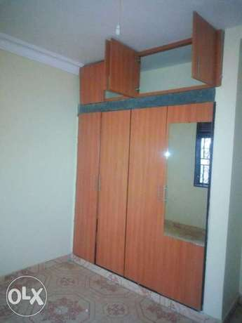Executive two bedroom house is available for rent in namugongo mbalwa Kampala - image 4