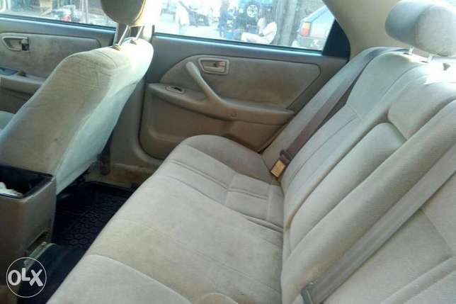 Super clean Camry 2000 for sale at affordable price. Kosofe - image 8