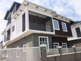 4 Bedroom Duplex With Pent House AT Ikate Lekki