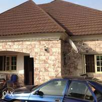 5bedroom bungalow for sale at Ipent 7 estate Gwarinpa