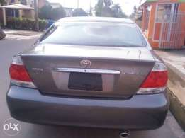 Sparkling clean Grey Toyota Camry 2005 XLE(Lagos cleared)