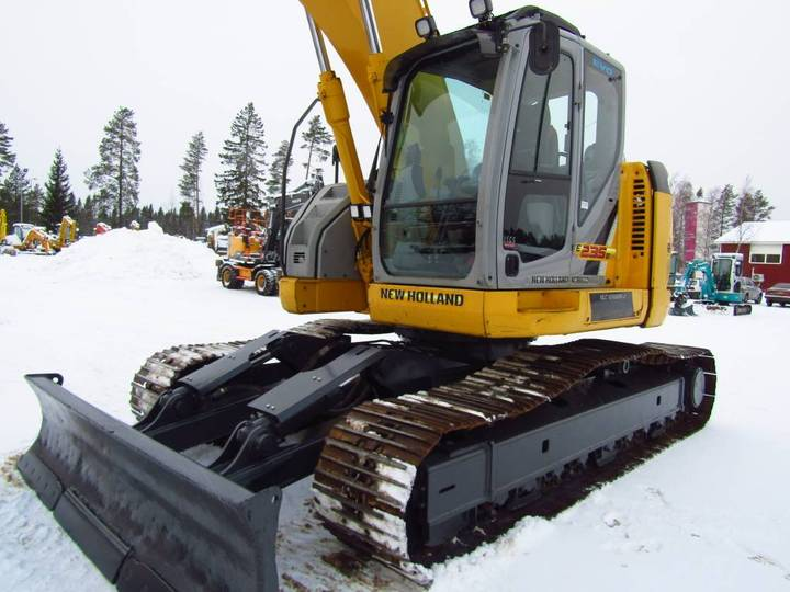 New Holland Myyty! Sold! E235bsrlc Proboengcon - 2010 - image 11