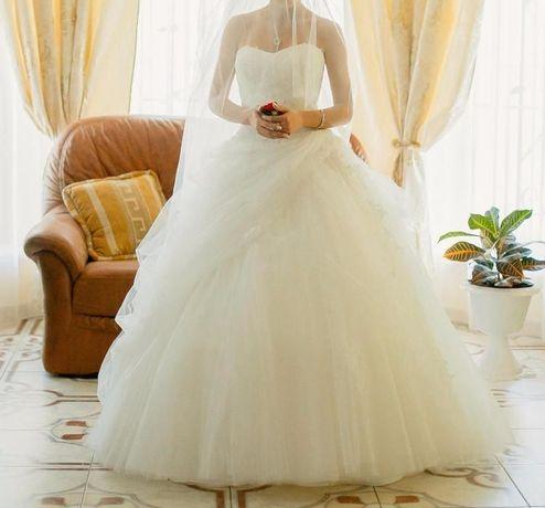 Продам здам в прокат весільну сукню  9 500 грн. - Весільні сукні ... b4aed2ead3eb5
