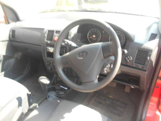 2006 Automatic Hyundai Getz 1.6 Hatchback with sound system for sale Johannesburg - image 6