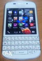 Very neat Blackberry q10 for sell