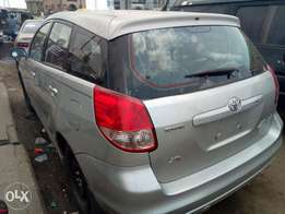 2004 Fresh Tokunbo Toyota matrix (Lagos tincan class cleared) for sale