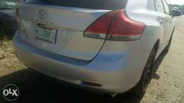 Clean used Toyota venza.2010.full option.