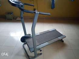 Strong rarely used manual treadmill