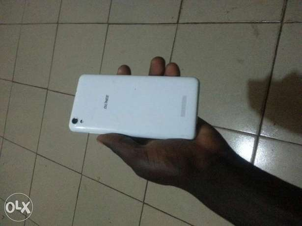 Sparkling GIONEE P5W with 16gb ROM Altra camera Quad Core processor Benin City - image 2