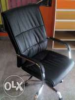 NZ Modern Office Leather Swivel Chair (New)