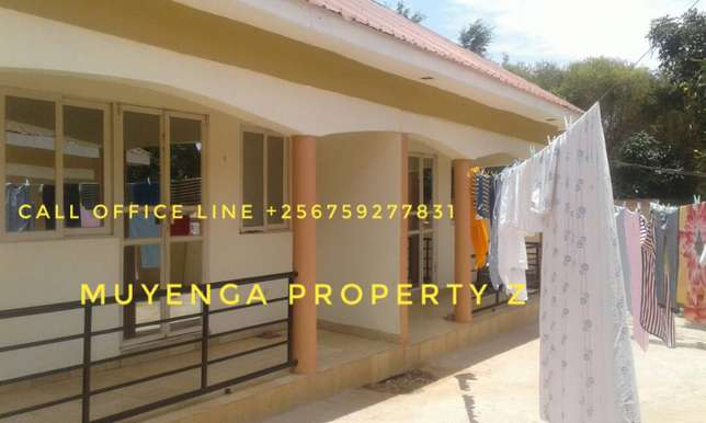 its 6 until s for sale in kissasi paying 450k income 2.7m Kalangala - image 1