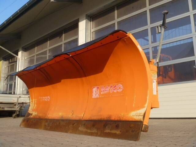 Unimog Schneepflug - Schneeschild Rasco Trac 3.0 - 2010