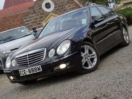 MERCEDES BENZ 2008 model black colour E200 Excellent condition