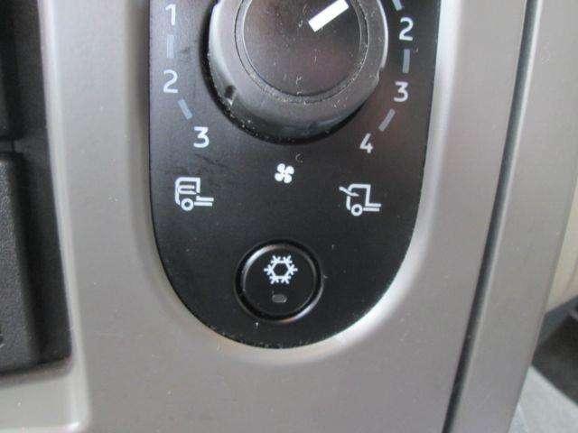 Renault Midlum 12.220 Dxi - 2011 - image 14