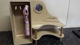Barbie cupboard/dressing table