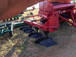 4 furrow plough with new blades