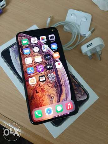 iPhone XS Max 256gb with box and all accessories original perfect cond