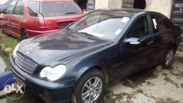 Sharp C200 Benz 4Matic 2004 Tokunbo (Fabric)