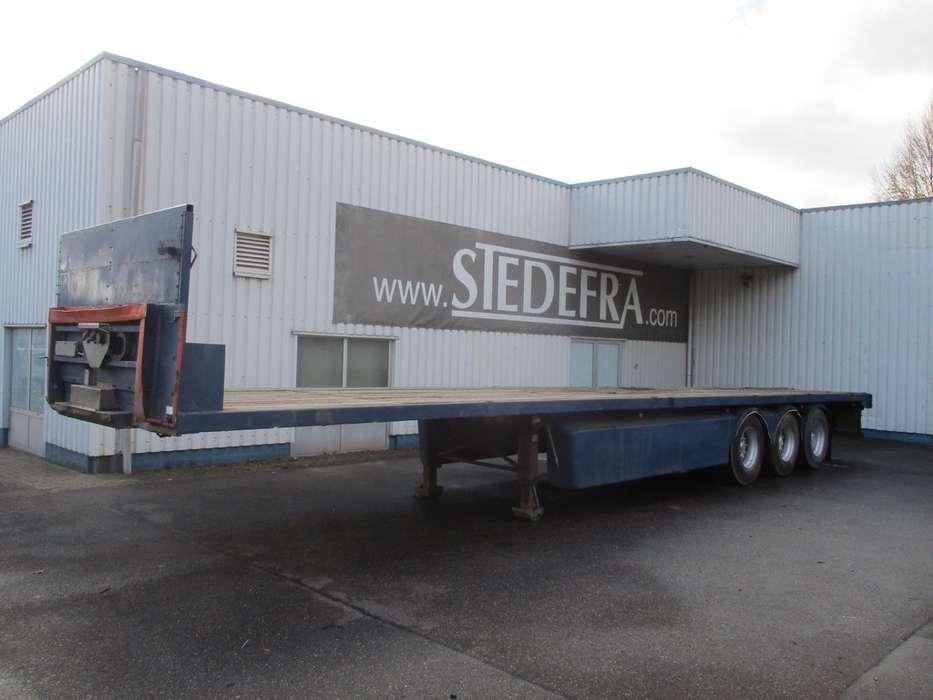 GENERAL TRAILER 3 axle flatbed trailer - 2002