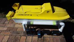 Bait boat - Super Cat 410 in GREAT shape, used 5times + a canooeee!!!