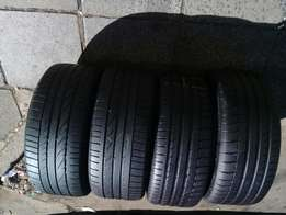 A set of runflat tyres 225/40/18 two Michelin and two Bridgeston