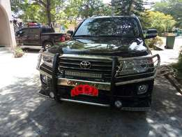 Toyota land cruiser jeep for sale 015 model Just like new one