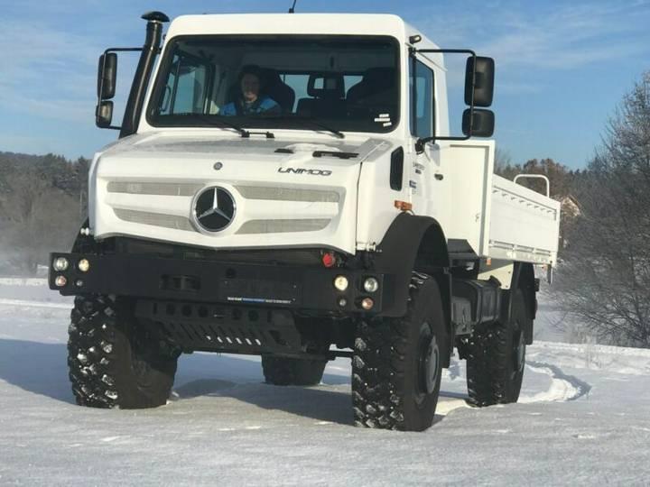 Mercedes-Benz Unimog U 5023/4x4/Hochgeländegängig/275 PS