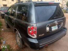 Neatly used 2007 Honda Pilot with good usage history